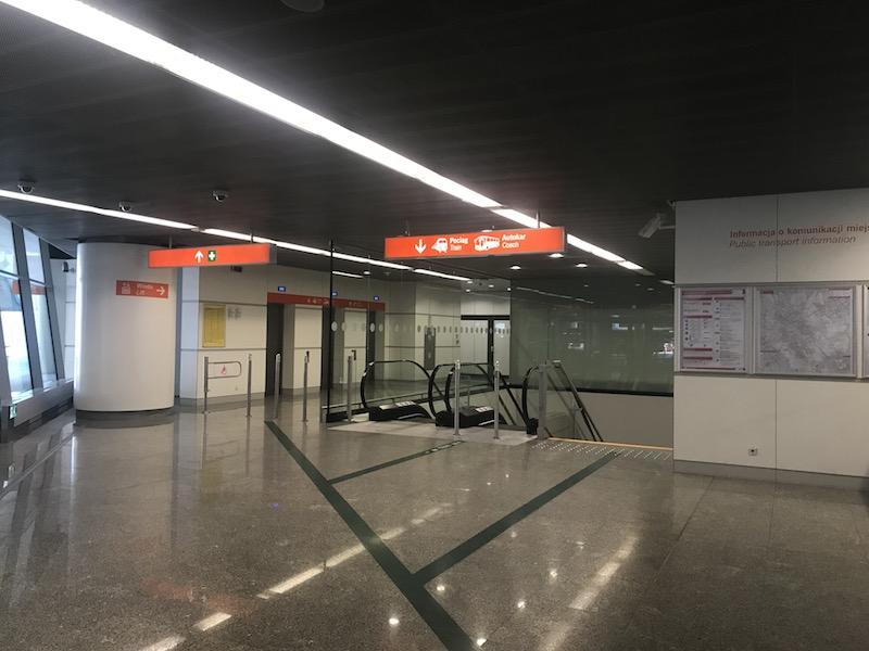 Как доехать до центра Варшавы из аэропорта Шопена 6