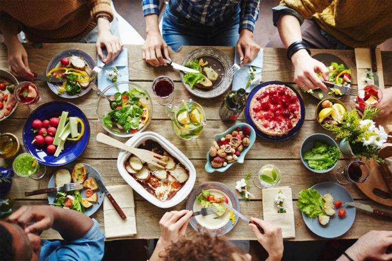 Доставка еды в Польше - где заказать еду на дом из ресторана в Варшаве | Uber Eats