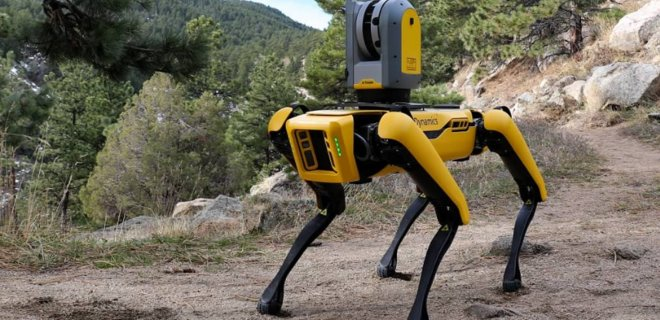 В Сингапуре появился робот, следящий за соблюдением социальной дистанции: видео